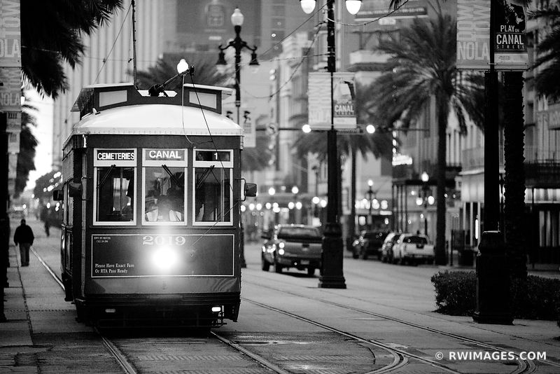 STREETCAR CANAL STREET NEW ORLEANS LOSUISIANA BLACK AND WHITE