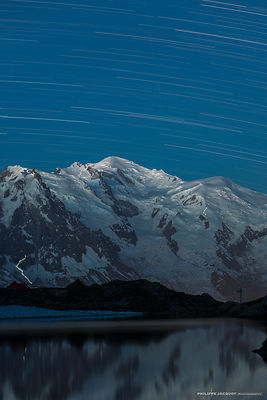 Mountain climbers beneath the stars 2 - Chamonix Mont-Blanc