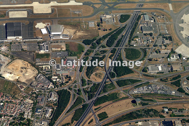 latitude image a roport roissy charles de gaulle charles de gaulle airport aerial photo. Black Bedroom Furniture Sets. Home Design Ideas