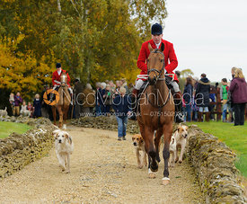 Andrew Osborne leaving the meet - The Cottesmore Hunt at Toft 27/10