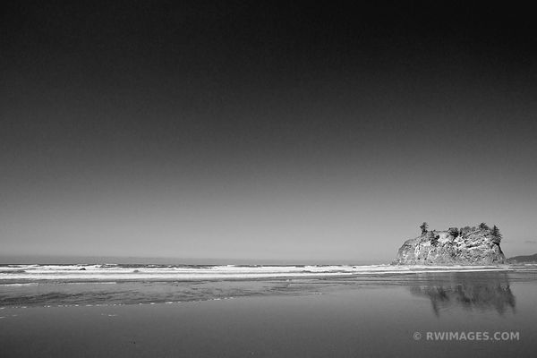 SEASTACK AT RUBY BEACH OLYMPIC NATIONAL PARK WASHINGTON BLACK AND WHITE