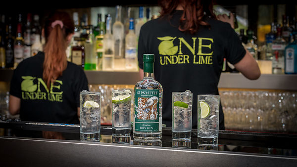 Une Under Lime Bar Shot with Branding & Product