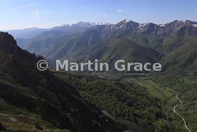 View from Mirador del Cable (viewpoint at the top of Fuente De teleférico), Picos de Europa, Cantabria, Spain