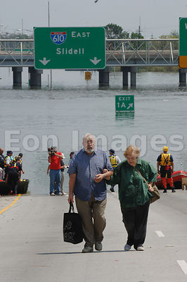 New Orleans residents arrive at Superdome following Hurricane Katrina