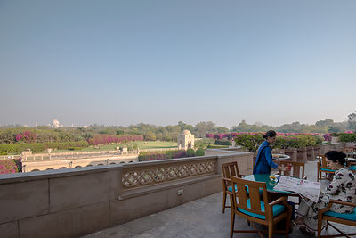 Taj_Mahal_view_from_The_Oberoi_Amarvilas_Agra_(2)_v1_current