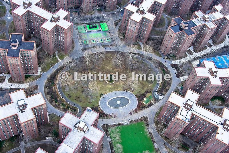 Latitude image stuyvesant town new york city aerial photo for Stuyvesant town new york