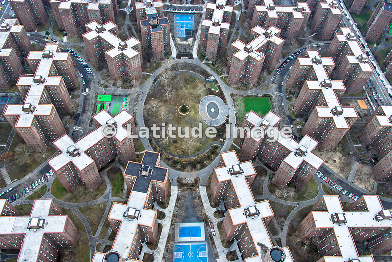 Latitude image stuyvesant town new york city aerial photo for Stuyvesant town nyc