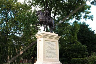 Equestrian Statue of King William III