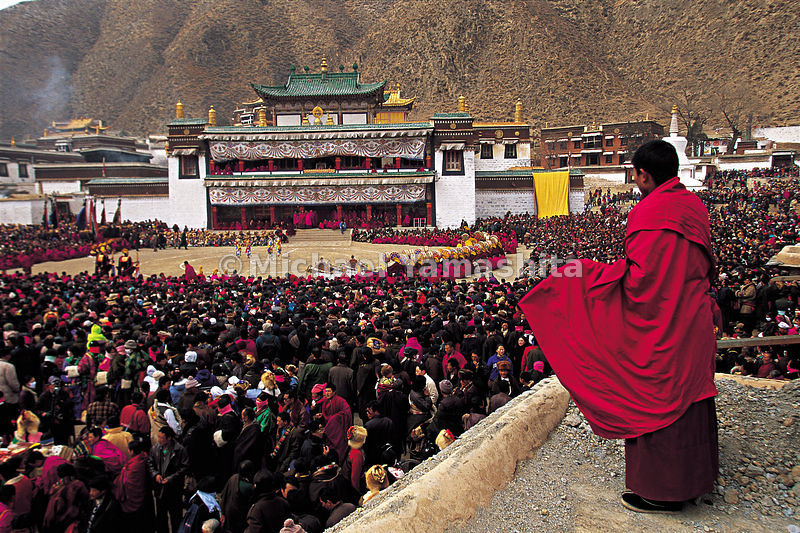 On festival days, the monastery fills with monks, worshippers and tourists to watch the dancing in the center of the large square.