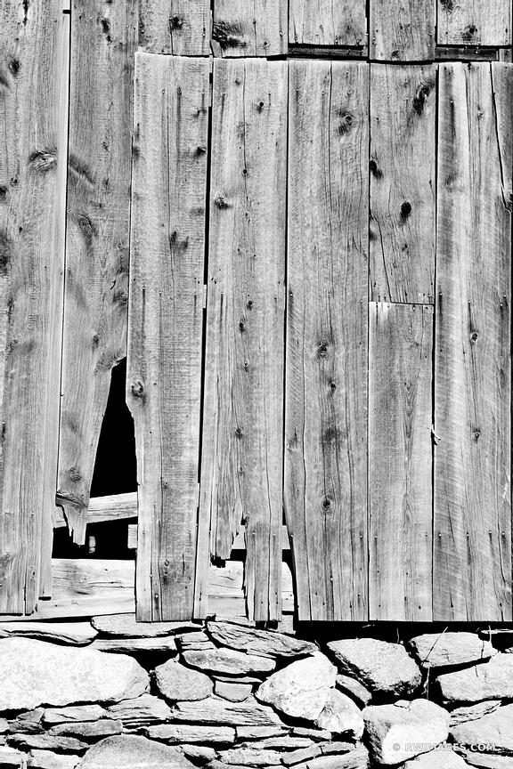 OLD WOODEN BARN DOOR VERMONT BLACK AND WHITE
