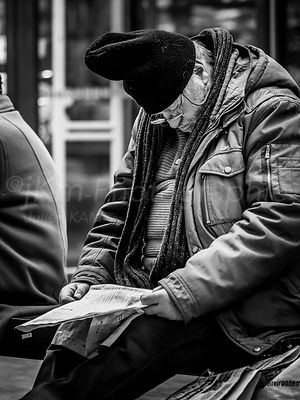 Street Photo - Nouvelles ennuyeuses