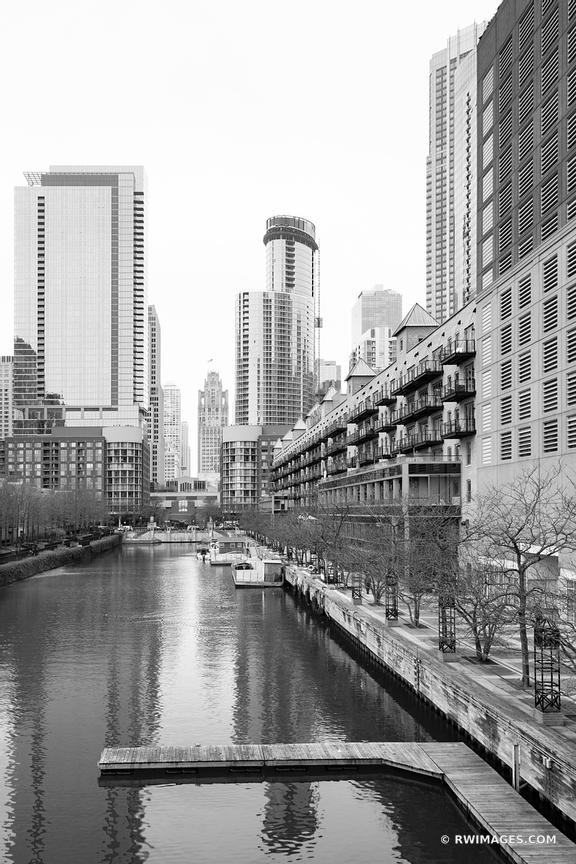 CHICAGO ILLINOIS BLACK AND WHITE
