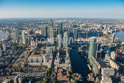Canary Wharf in the sunshine