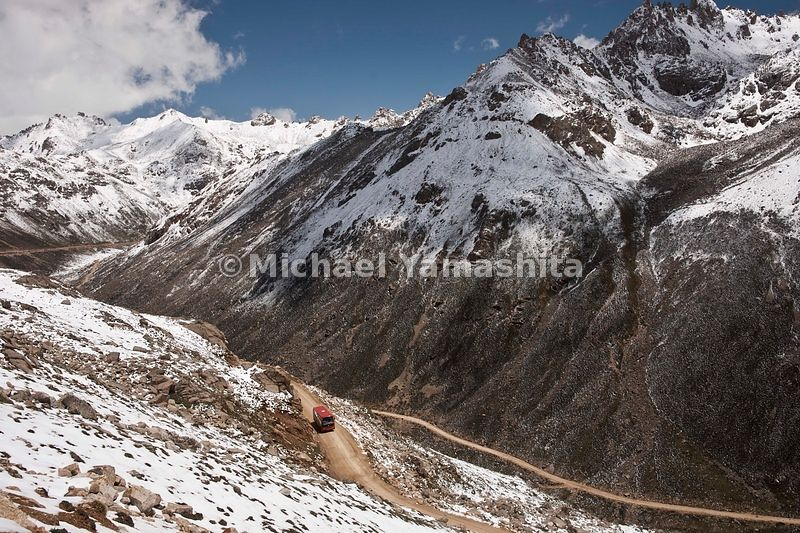 Trola Pass enroute to Derge, Tibet -Sichuan Highway, Tea Horse Road. .....................................