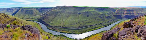 Pano_of_the_Deschutes_saturated
