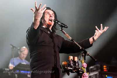 Steve Hogarth, vocals, Marillion, Wolves, 2015, Saturday
