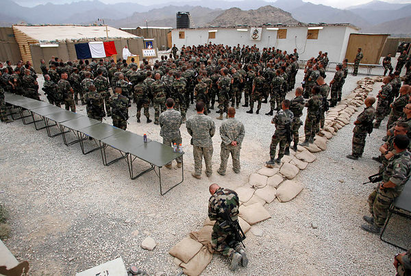 2008. Advanced Base of Nijrab, Kapisa province. Religious Ceremony for St. Michael (patron saint of paratroopers). The chaplain honors ten French soldiers killed in operation in Uzbeen.