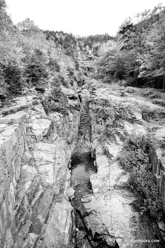 SILVER CASCADE CRAWFORD NOTCH STATE PARK WHITE MOUNTAINS NEW HAMPSHIRE BLACK AND WHITE