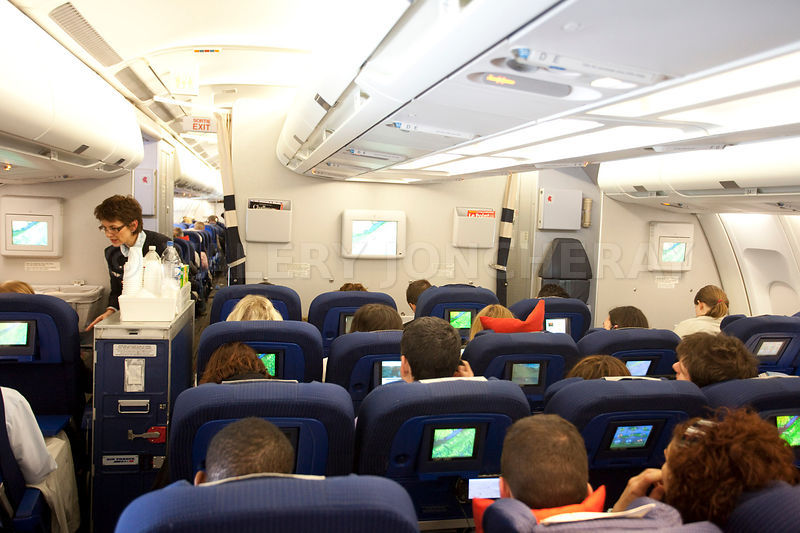 Photos photo interieur d 39 un avion de transport de passagers for Avion air transat interieur
