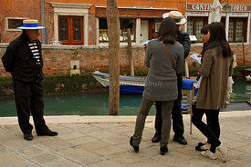 gondoliers and women