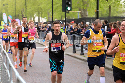 Craig Bradshaw running in the London Marathon