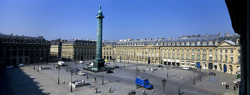 Panorama de la place Vendome à Paris.