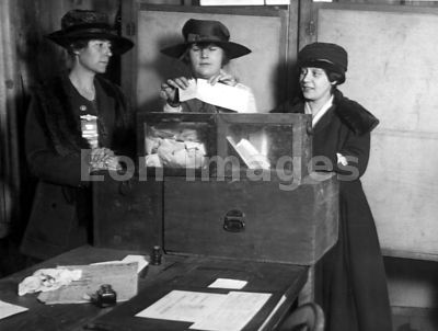 Women attempt to vote in New York, 1917