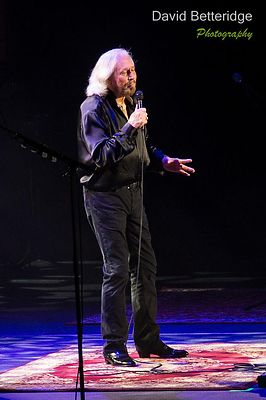 Barry_Gibb-024
