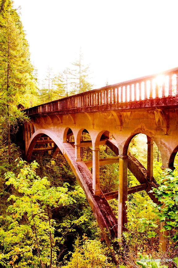 OLD STONE BRIDGE HISTORIC COLUMBIA RIVER HIGHWAY COLUMBIA RIVER GORGE OREGON