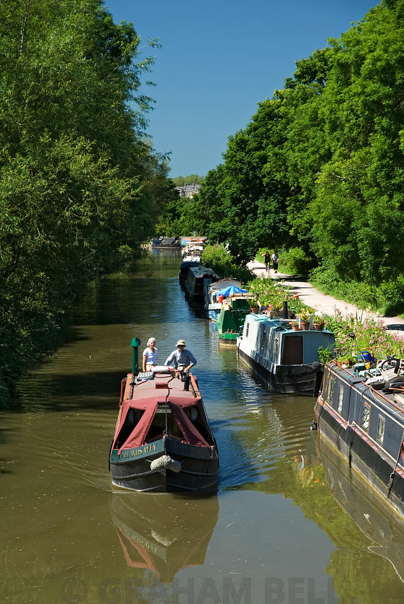 Narrow boats on the Kennet and Avon Canal, Bath, Somerset.