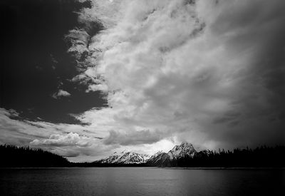 032-WL13011_Tetons_and_the_Lake_Preview