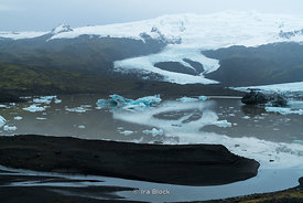 Fjallsarion Lagoon and Fjallsjokull Glacier at the south end of the Icelandic glacier Vatnajökull.