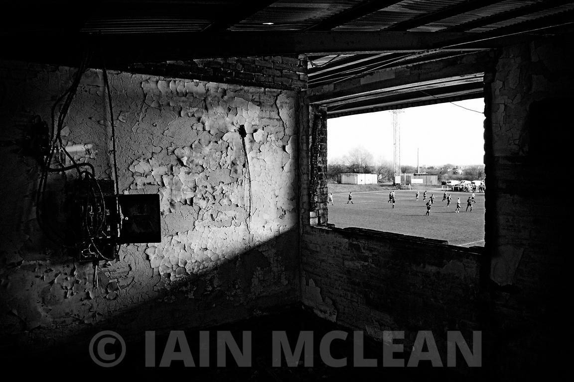 Albion Rovers..Cliftonhill Stadium, Coatbridge..9.4.11.Albion 0-0 Annan..Picture Copyright:.Iain McLean,.79 Earlspark Avenue,.Glasgow.G43 2HE.07901 604 365.photomclean@googlemail.com.www.iainmclean.com.All Rights Reserved.