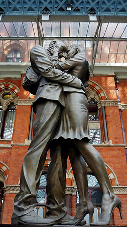 The French Kiss/Lover's Embrace statue at King's Cross Station.