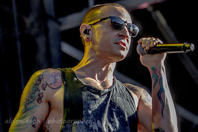 Chester Bennington, vocals, Stone Temple Pilots