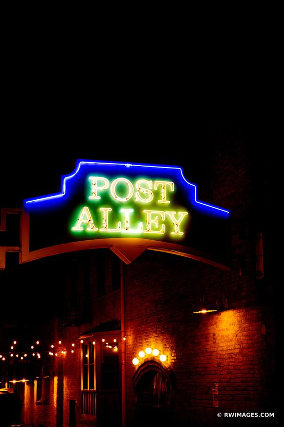 POST ALLEY SEATTLE NIGHT