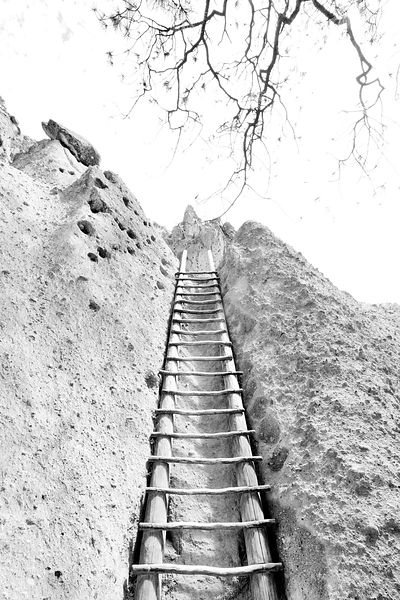 LADDER CLIFF DWELLINGS BANDELIER NATIONAL MONUMENT NEW MEXICO BLACK AND WHITE