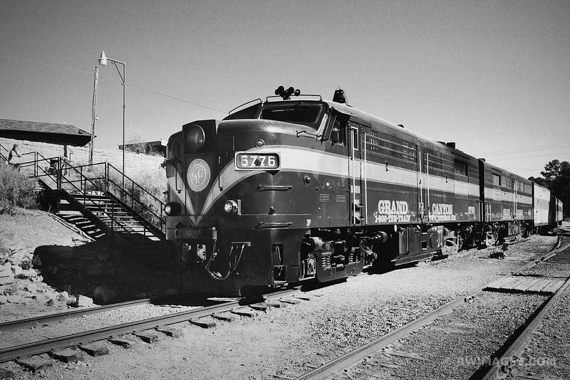 GRAND CANYON TRAIN BLACK AND WHITE