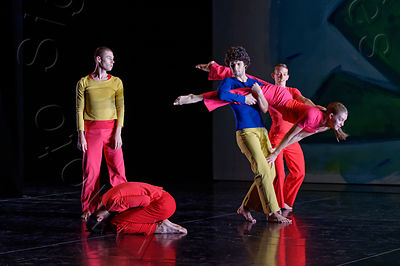 PRESENT TENSE / Trisha Brown / Théâtre National de Chaillot