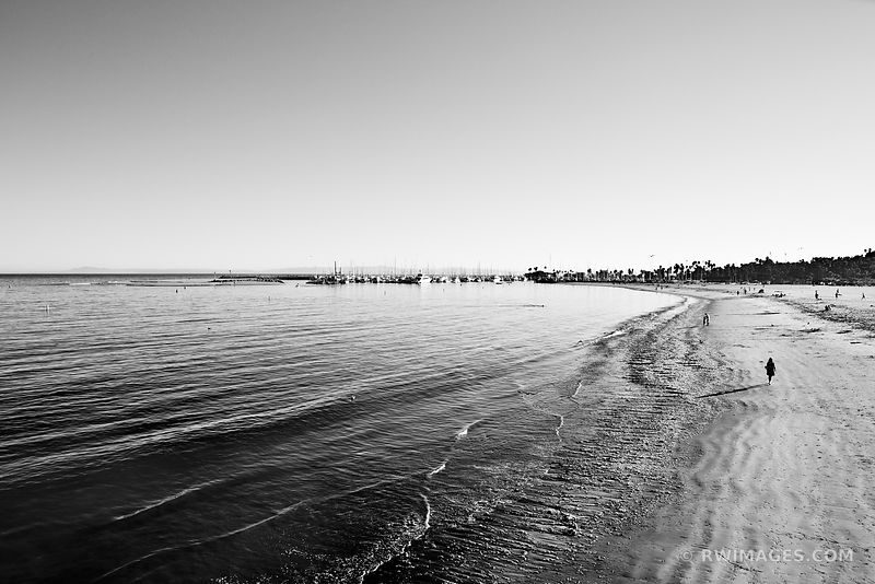 SANTA BARBARA BEACH BLACK AND WHITE