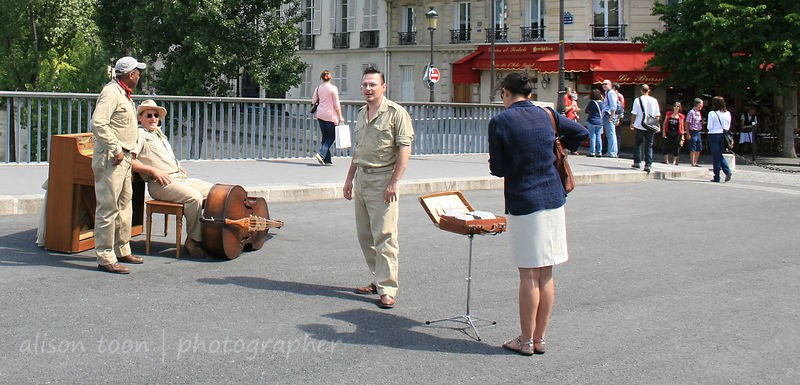 Buskers and street musicians, Paris, France