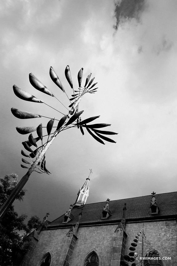 LORETTO CHAPEL SANTA FE NEW MEXICO ARCHITECTURE BLACK AND WHITE