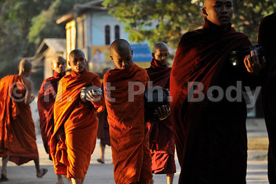BIRMANIE, MANDALAY, SHWE IN BIN//BURMA, MANDALAY, SHWE IN BIN