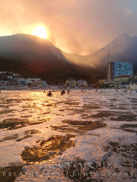 Smoke on the water - Muizenberg Mountain on fire 2015