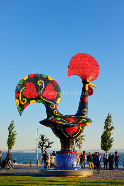 Pop Galo by artist Joana Vasconcelos (2016), inspired in the traditional Barcelos Rooster. Alcântara, Lisbon. Portugal