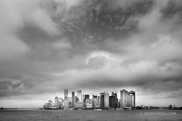 MANHATTAN NEW YORK CITY SKYLINE BLACK AND WHITE