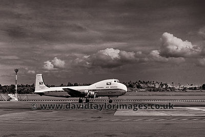 Freddy Laker DIY conversion | Carvair G-ANYB | Singapore Paya Lebar October 1962