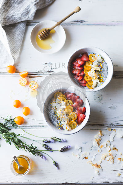 Chia pudding breakfast bowls