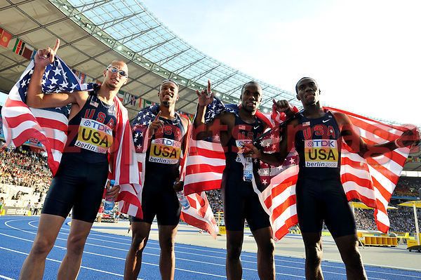 USA 4x400 relay team wins gold medal