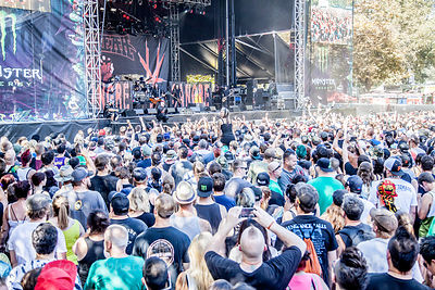 Fans watching HELLYEAH, Aftershock 2014